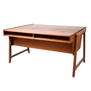 Eden desk by Clausen & Maerus
