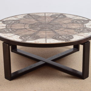Circular tile table by Ox-Art