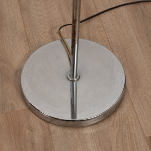 Arced floor light by RAAK Amsterdam