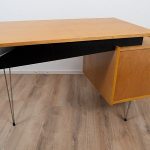 Hairpin Desk by Cees Braakman